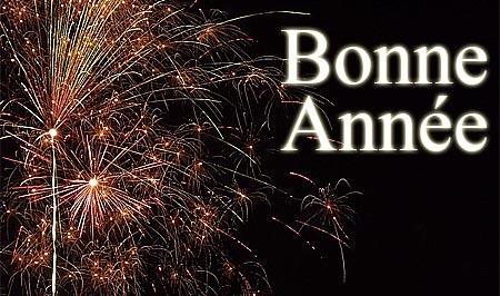 Französische Neujahrswünsche mit einem Feuerwerk