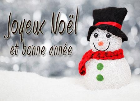 Süßes Bild mit Schneemann zu Weihnachten