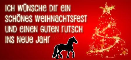 Rotes bild mit Pferd und Weihnachtswünschen mit Weihnachtsbaum